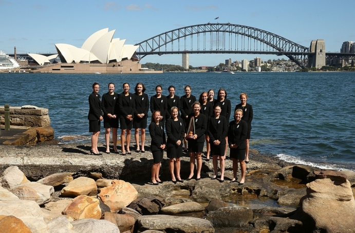 England pose with their women's Ashes trophy in front of Sydney Opera House (c) The England and Wales Cricket Board